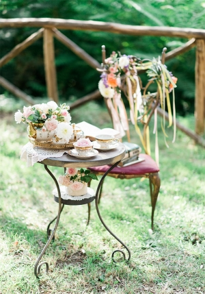 Styled Shoot in Umbria - Floral Crown Station